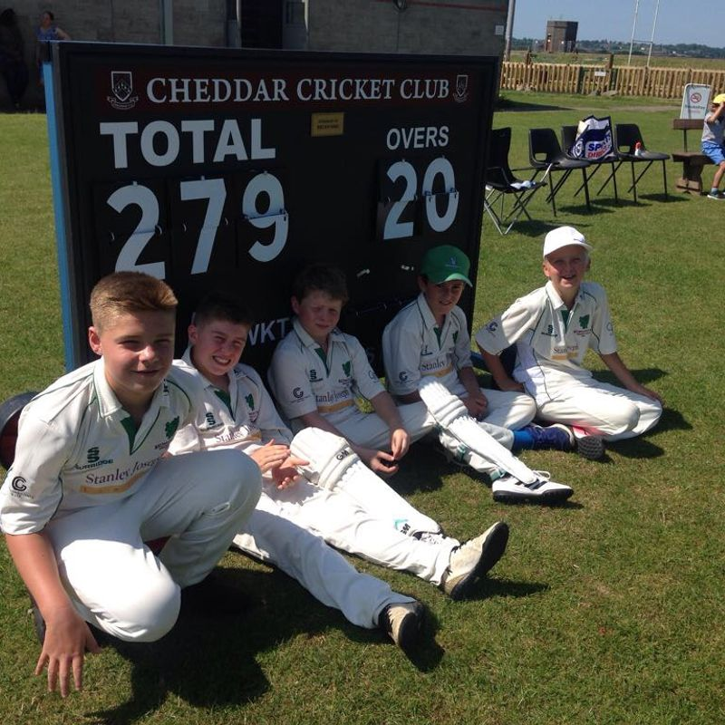 U11s triumph despite a man short