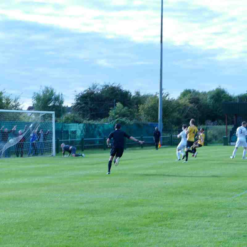 East Thurrock Utd. (1) v Truro City (2)  23/09/2017