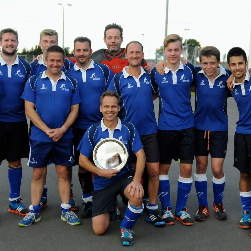 Men's 1st XI beat Brentwood 2 3 - 0