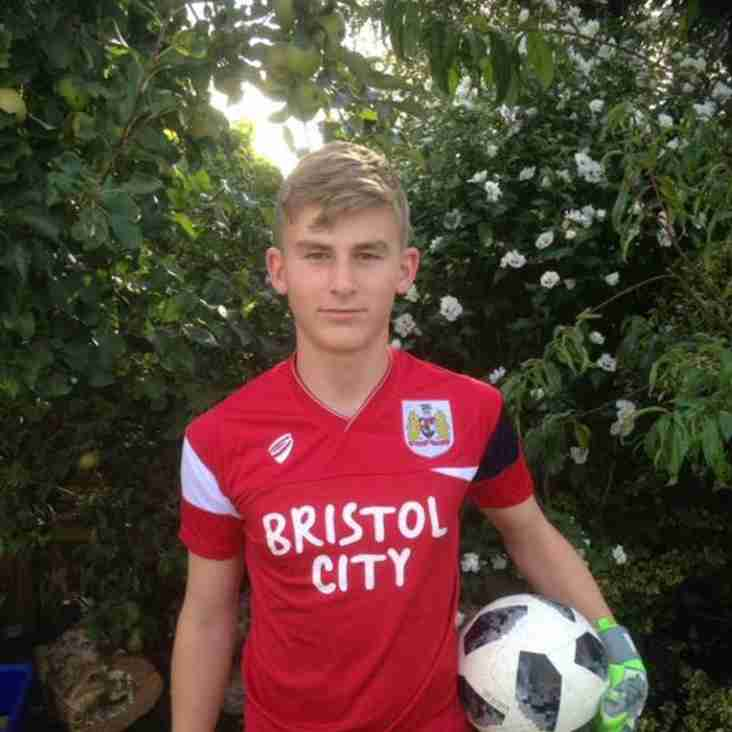 Oldland youngster signs for Pro Club