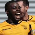Akrofi signs for Aveley