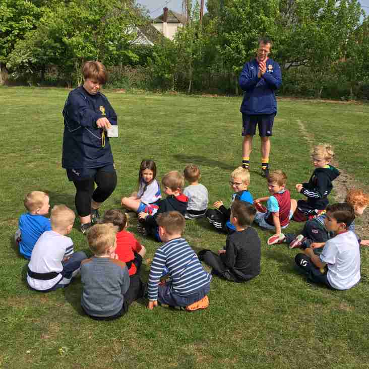 Under 6s enjoy a sunny training session!