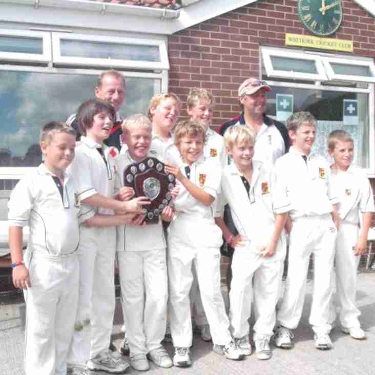 U11's Leeds League Cup Winners 2010