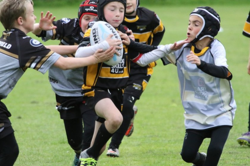 End To End Rugby Entertain Crowds