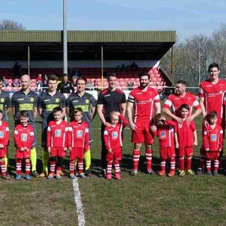 Buckley Juniors U6's mascots for the day