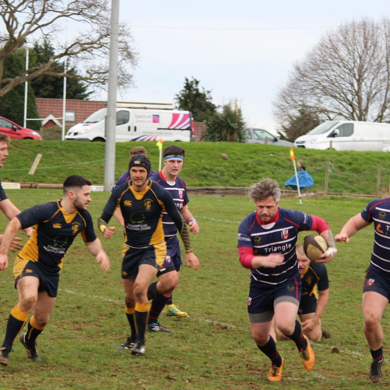 Hurricanes Narrowly Defeated by Basingstoke in Titanic Clash at the Fairway