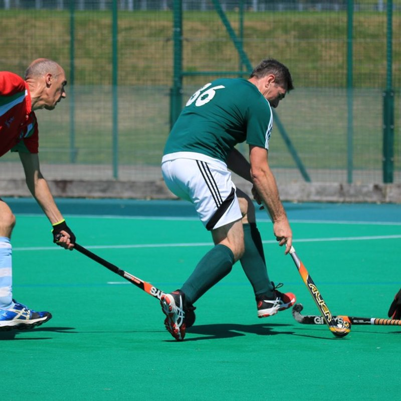 Vets feel heat at Welsh Masters