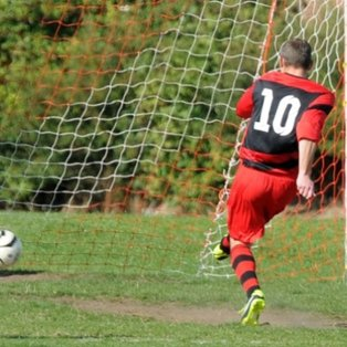 Ellor Double Secures United Win