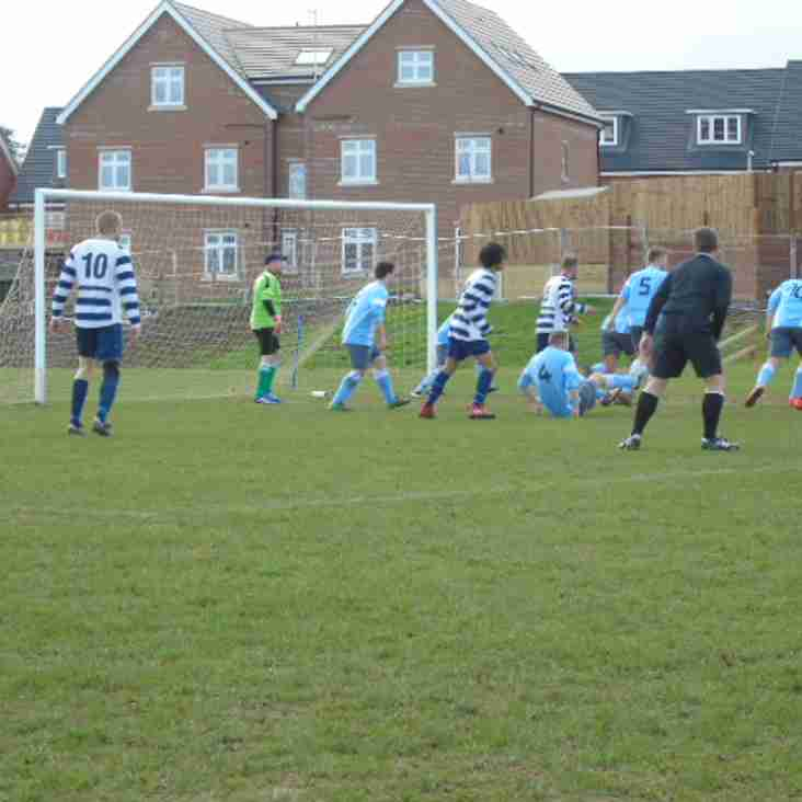 Thames Valley Premier League - Woodley United Royals v Marlow United