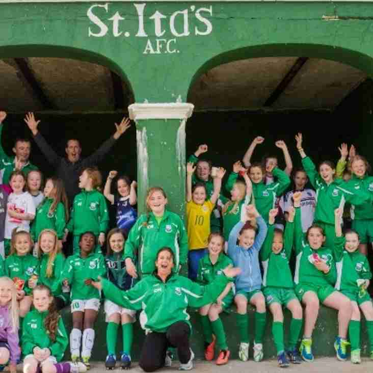 St Ita's girls Welcome - 2015/16