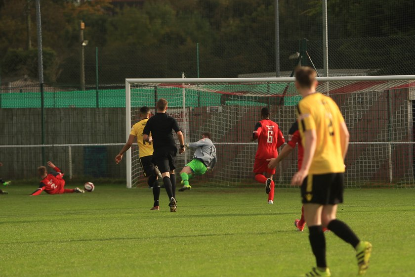 Nailers foiled by superb goalkeeping display