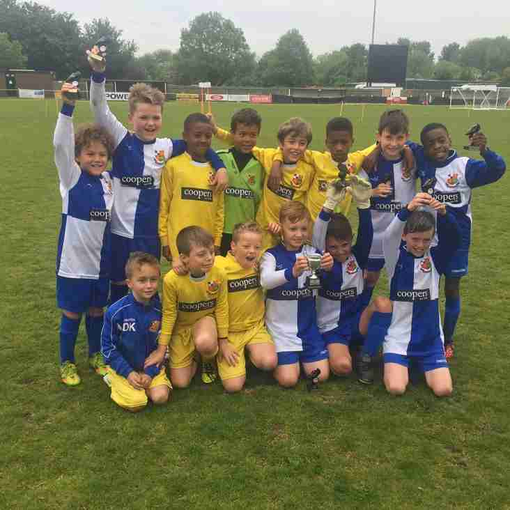 U9 Blues win Hanwell Tournament 2016