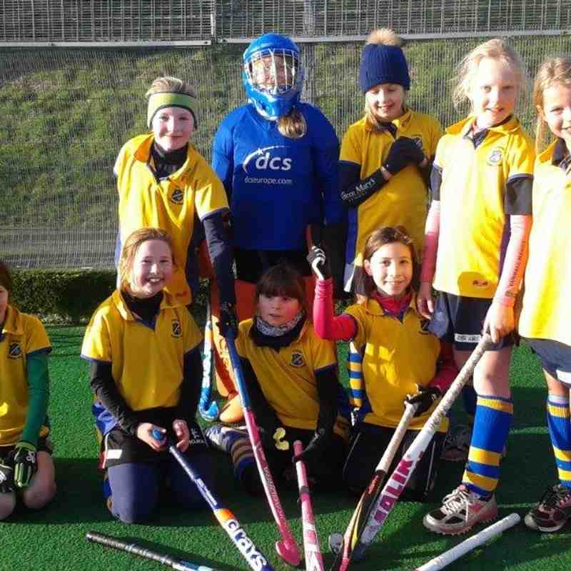 U10 Girls B team. Back L-R:Madison Chapman, Maisie Grainger, Jemima Tomlinson, Josie Sample, Tallullah Lascelles