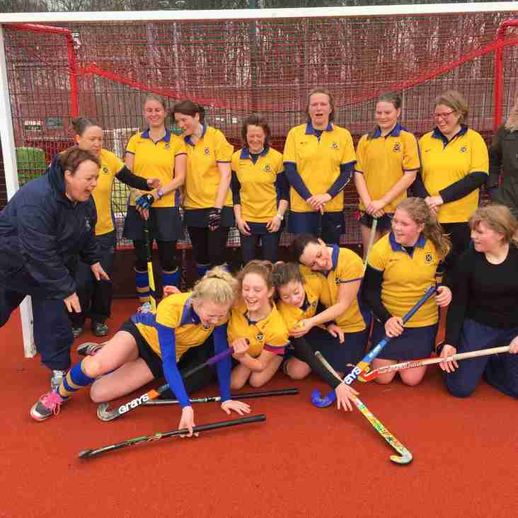 Teamwork wins for Ladies Thirds