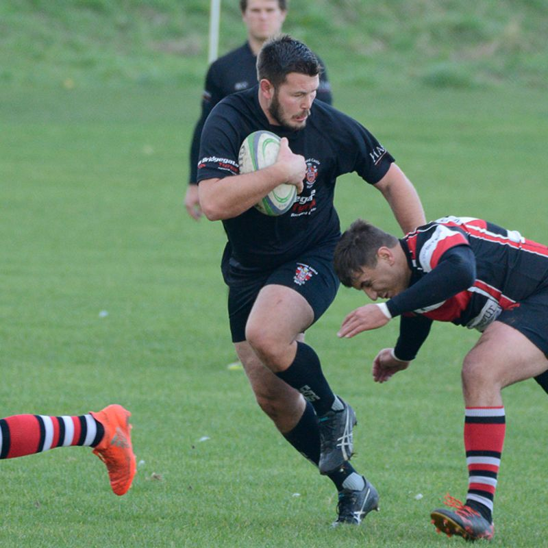 Dominant forwards power Castle to win