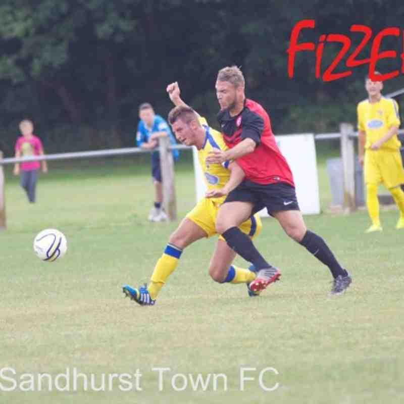 Sandhurst Town AWAY (their photos)