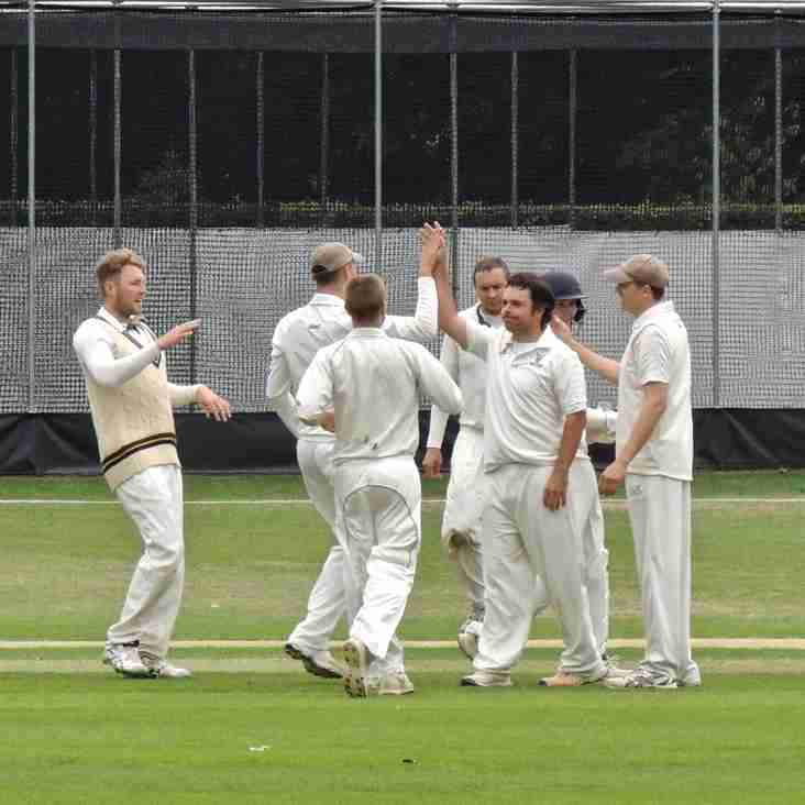 Munday 6-10 clinches remarkable tie defending 76
