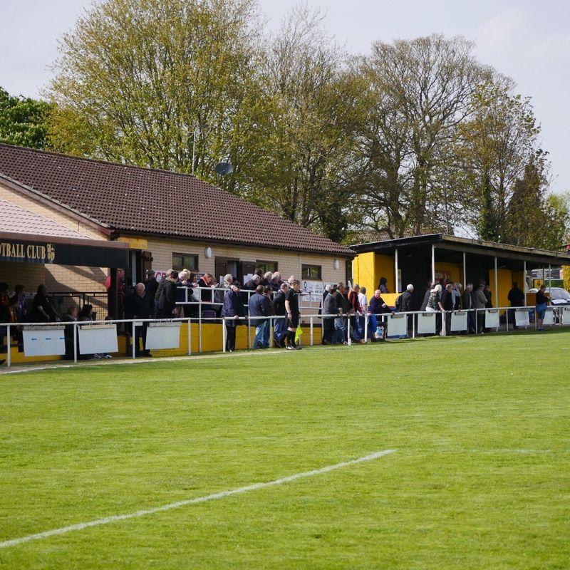 Wanderers travel to league leaders Mildenhall this afternoon (kick off 3pm)