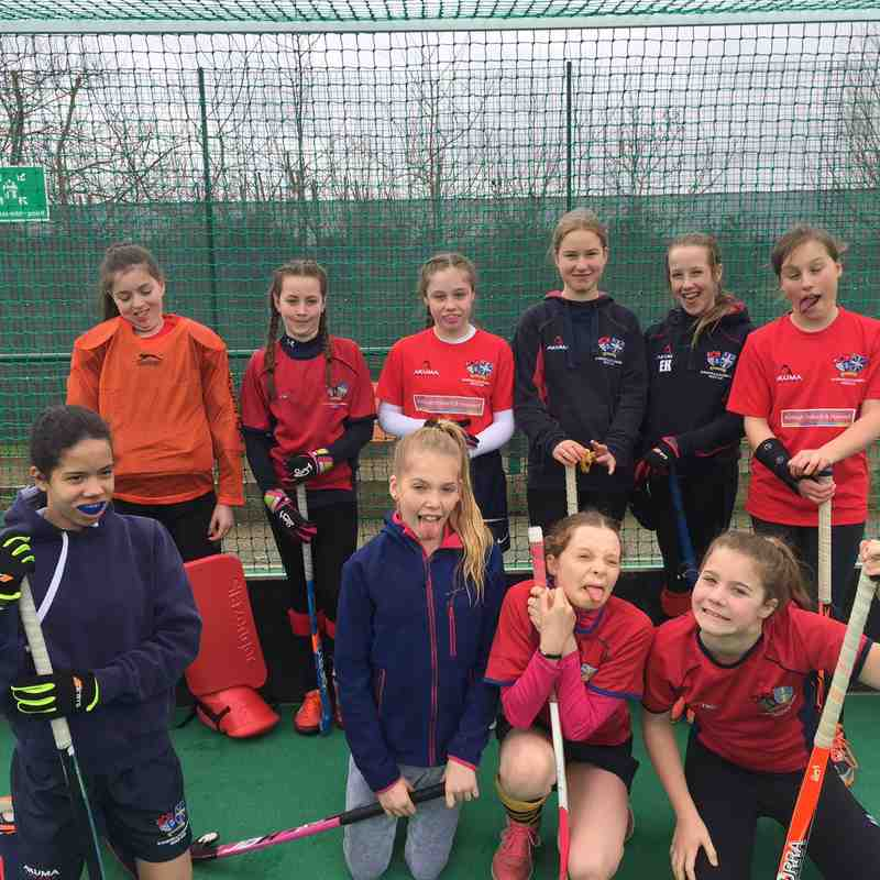 Girls u12 Kent In2Hockey 2017 Bunnies and Bees