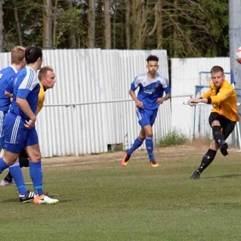 Ipswich Wanderers 1 Great Yarmouth Town 2