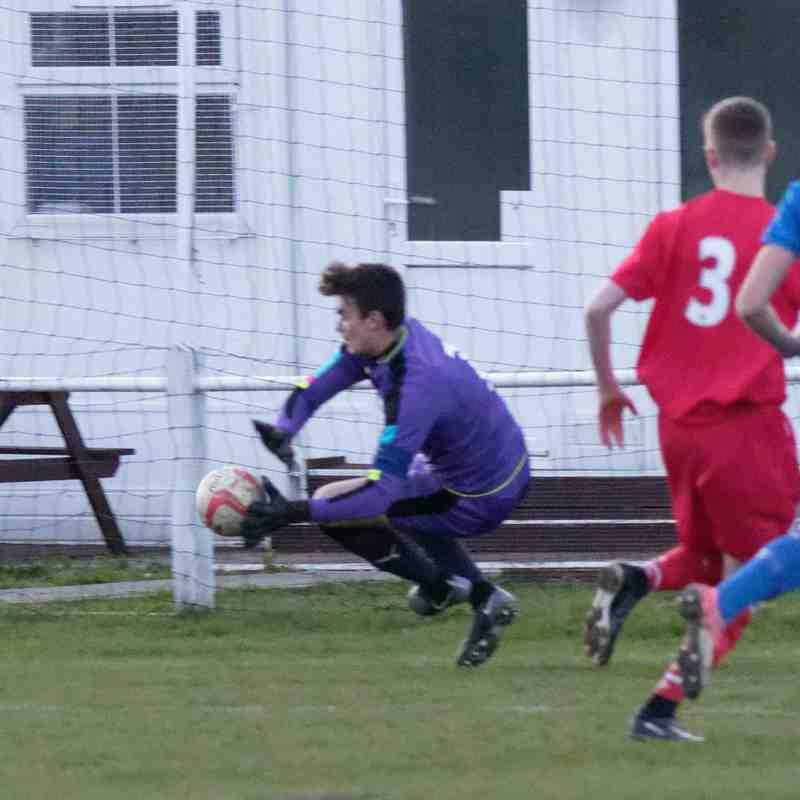 Bury Town U18s 1 Leiston U18s 1 (6-5 on pens)
