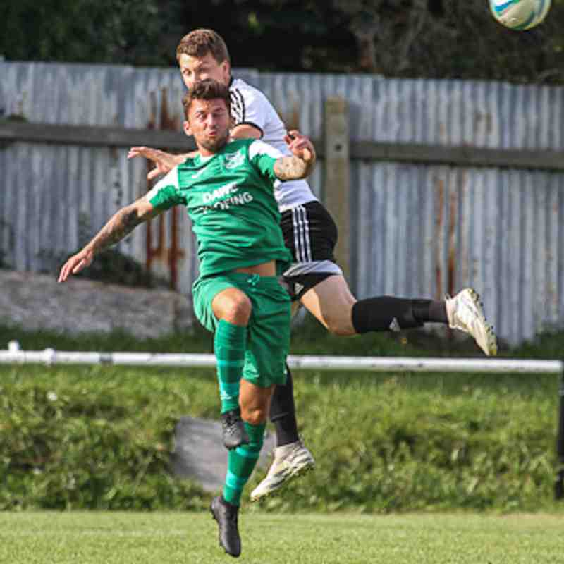 Swans 2 Hamworthy Recreation 1 - Photos By Haydn Sparkes