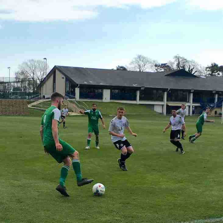 Swans Defeated As Hamworthy Recreation Head For Title