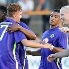 Adams strikes as United draw
