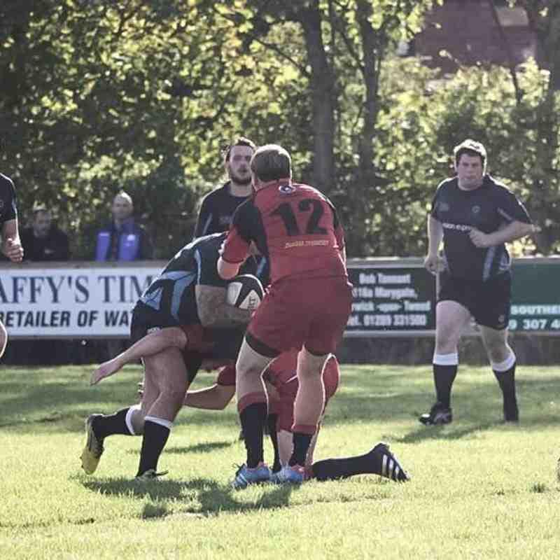 1st XV v Duns - Sat  1 Oct 2016 - Courtesy of Michael Hardie