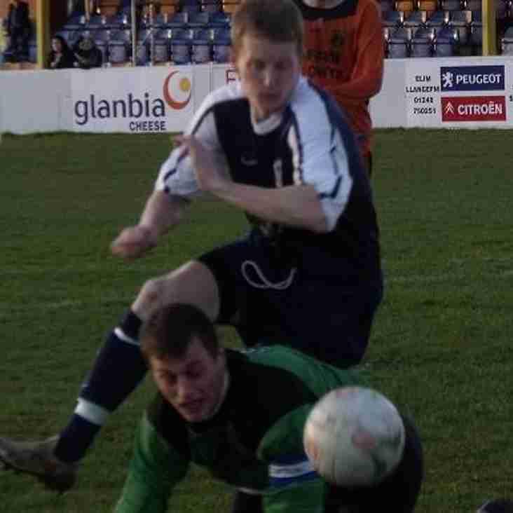 Llandudno through to league cup final