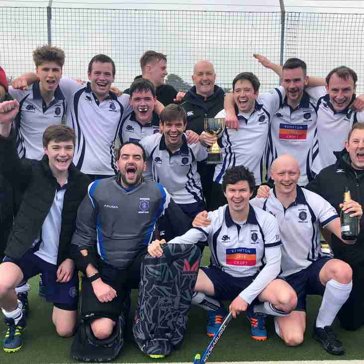 Men's 2s win their League