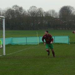 Holyport FC v Sandhurst Town