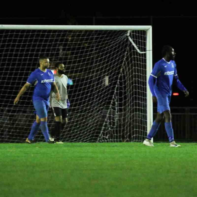 Tower Hamlets v Redbridge F.C.-20/11/17 by Philip Lindhurst