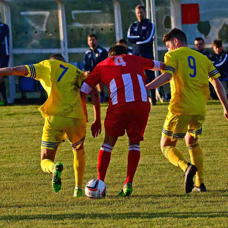 Holywell v Denbigh Town 2 May 2018