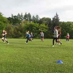 Girls Youth Team training with Ioni McPherson