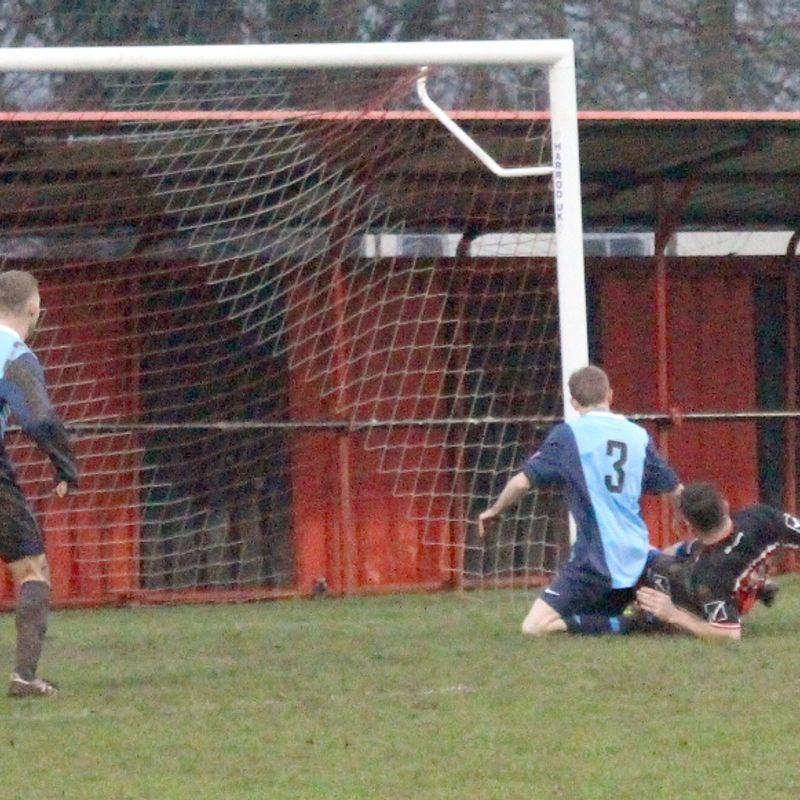 Cradley fail to hammer the Steelmen as honours are shared.