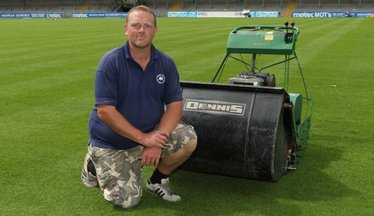 Ralph Awarded National League Groundsman Of The Year 2016/17