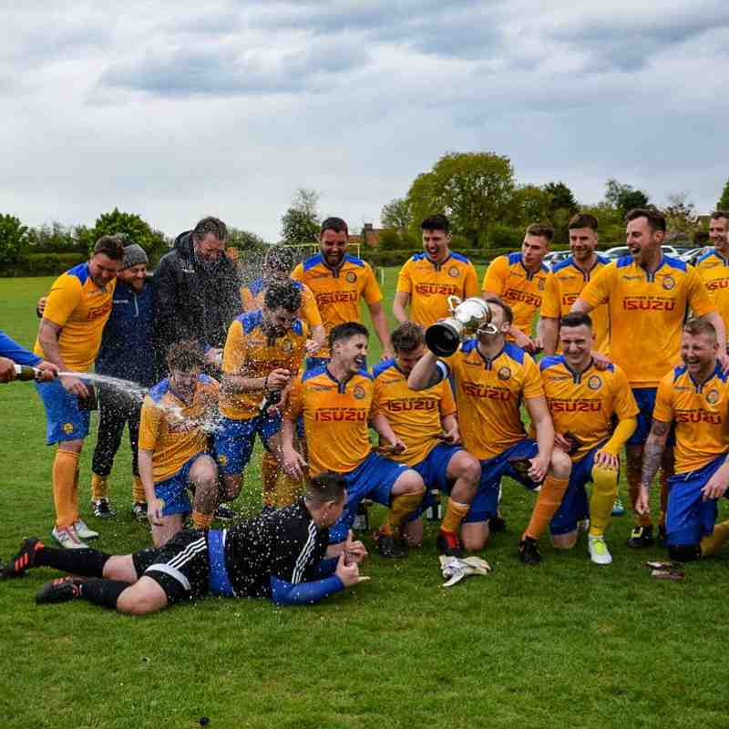 Old Newton 1st Team SIL Division 1 Champions 2018/19
