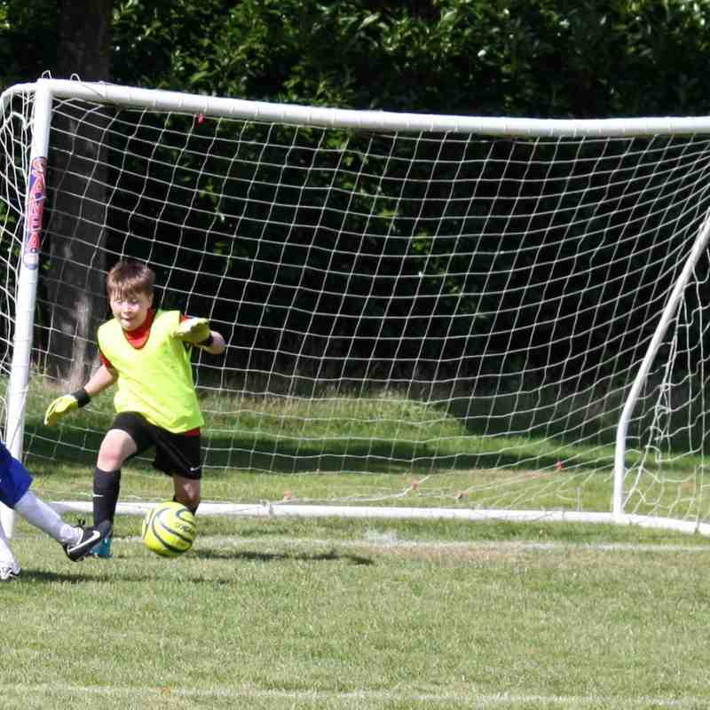 2015-09-12 U10 Lions 4- 7 Caversham Trents FC Gold