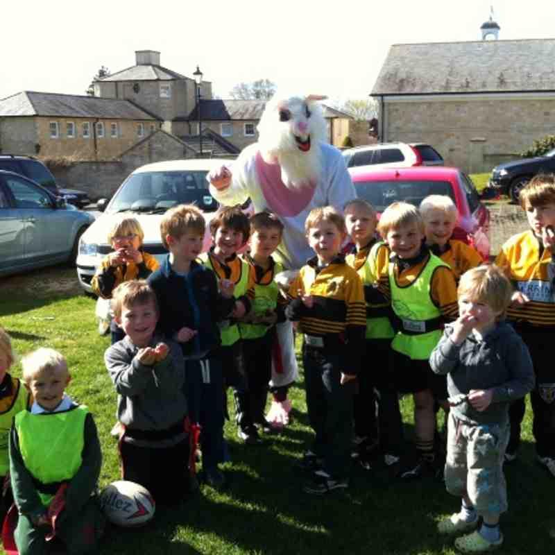 Easter Bunny visits U6/U7 joint training