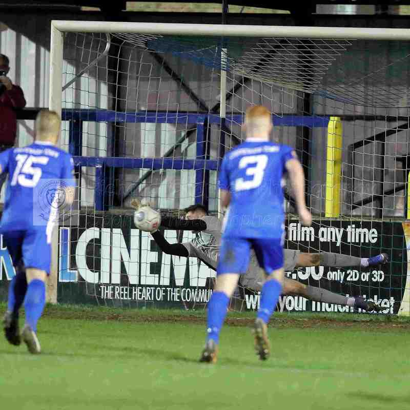 Chippenham Town V Hampton & Richmond Match Pictures 29th December 2018