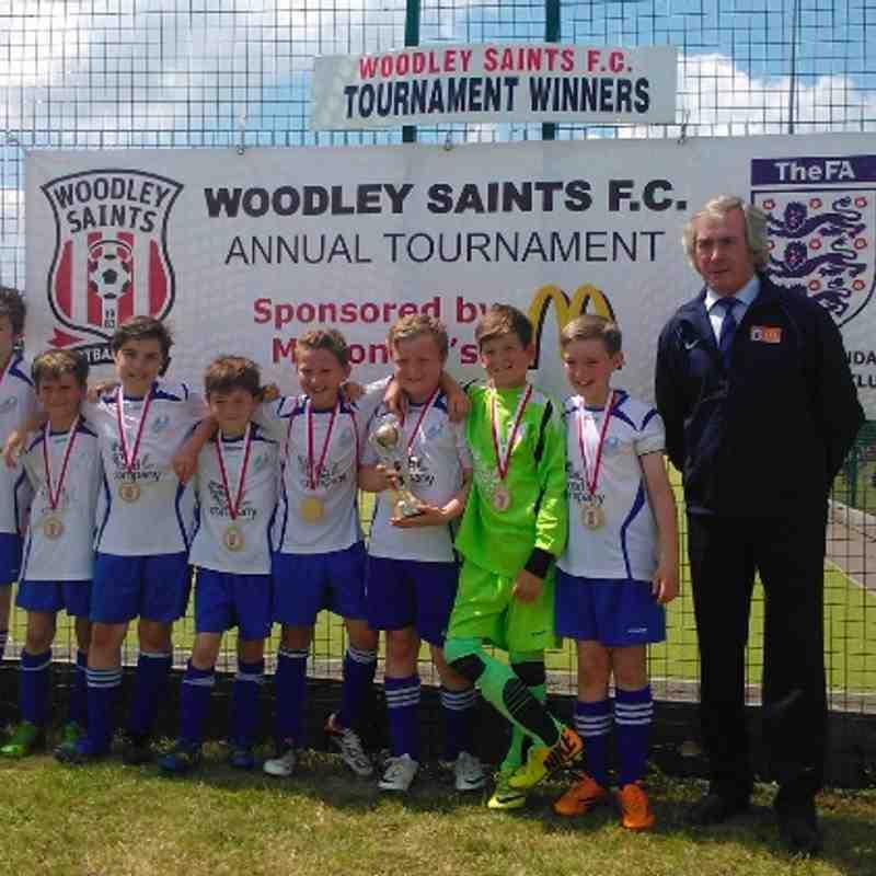 U11 Pythons - Woodley Saints Tournament Section Winners (21/06/14)