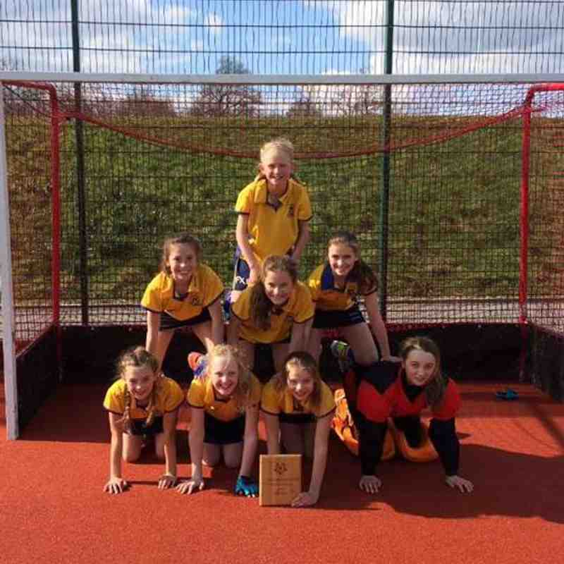 U12 Girls In2Hockey Champs.