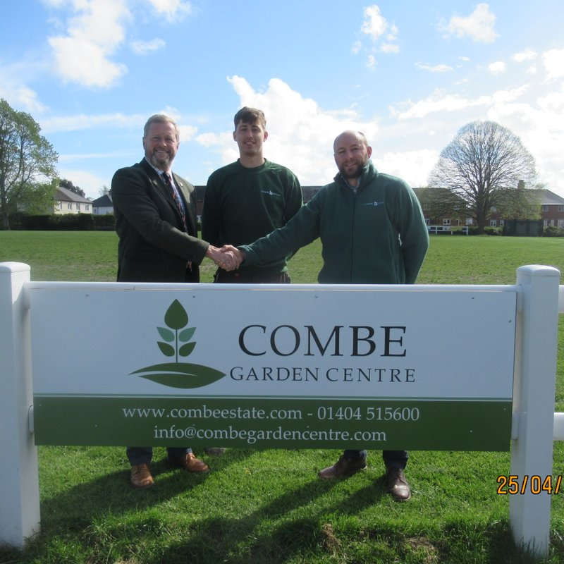 Combe Estate help Sow the Seeds of Success at HRFC!