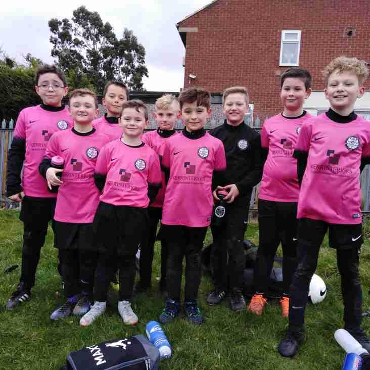 Under 10 Pinks welcome Ossett Albion