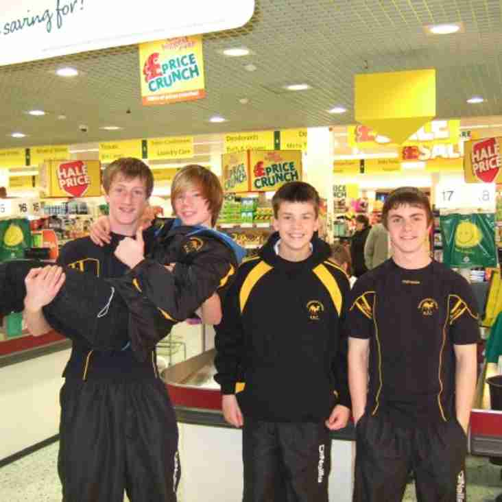Camels U14s go for Round 2 fundraising at local Supermarket