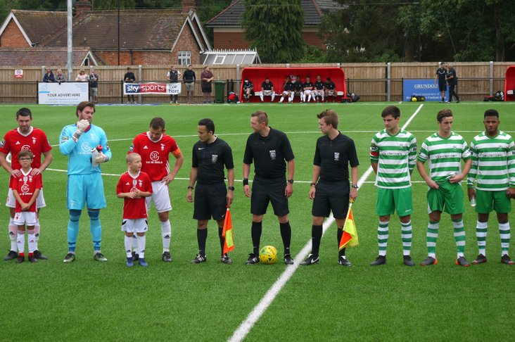 Bracknell Town and Waltham Abbey line up
