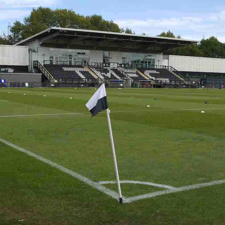 Tooting bring in Vickers midfielder