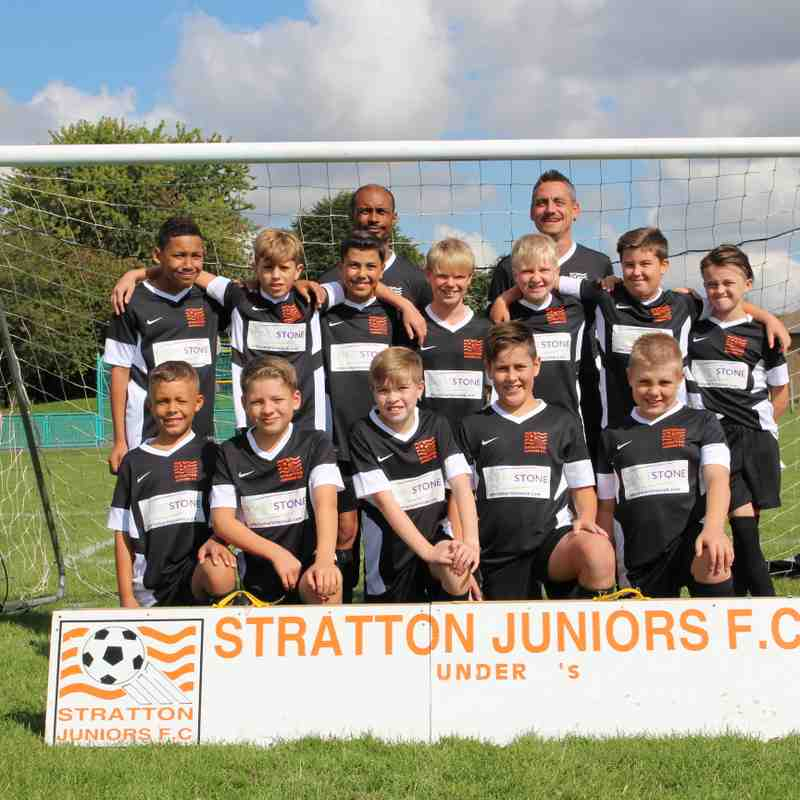 SJFC Under 12 Tigers Team Photo Sign on Day