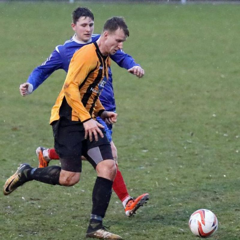 Rippon signs for Parkgate!